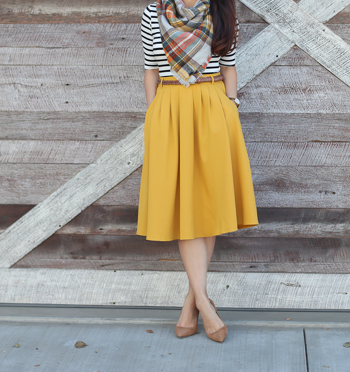 Cheer After Year 2017 Planner in Gold Dots, Modcloth Breathtaking Tiger Lilies Midi Skirt in Mustard, Modcloth Inside Scoop Top in Black & White