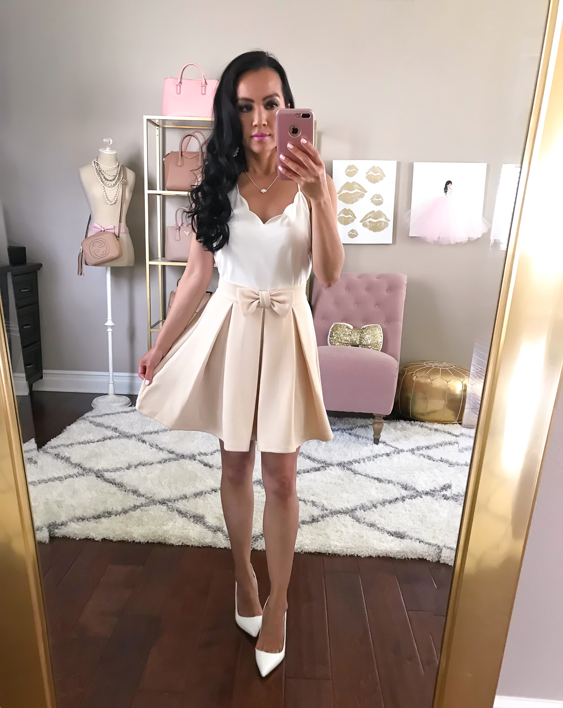 bow pleated skirt white scalloped cami white pumps spring summer outfit