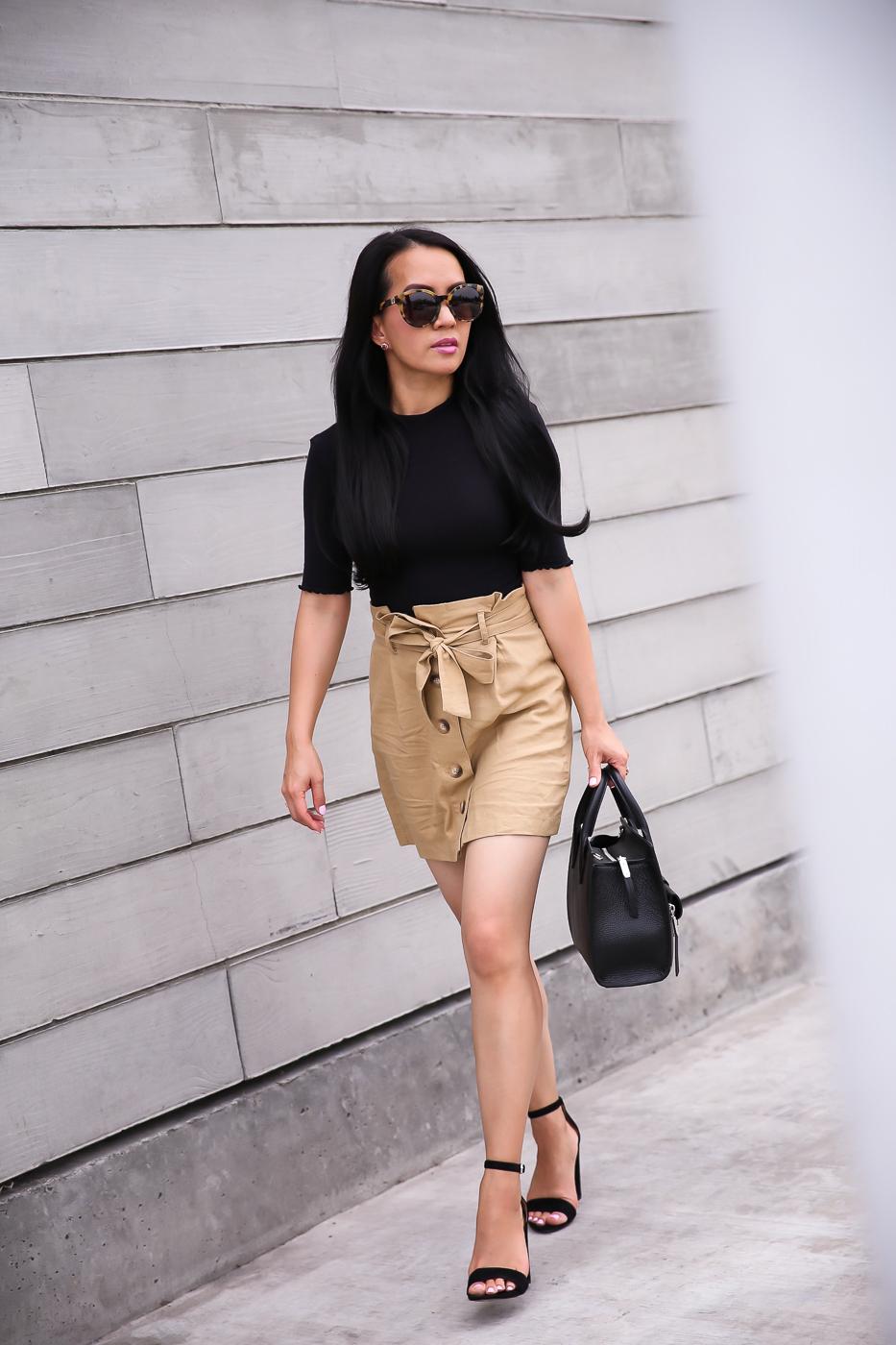 khaki paperbag skirt black strappy sandals black lettuce edge top fall outfit