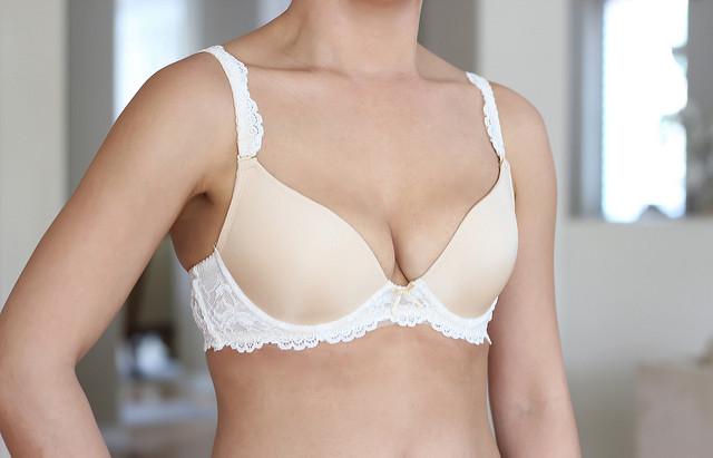 TLBC 30C Bra Review Yvonne nude vanilla petite bras