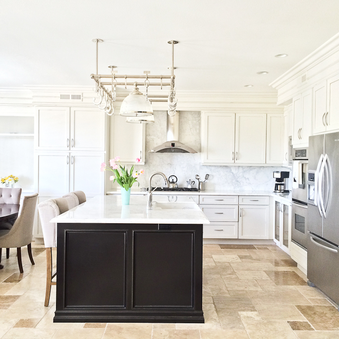 Modern kitchen white marble countertops calcutta marble slab carerra calcutta marble kitchen pendant light potrack tufted barstools travertine italian floors