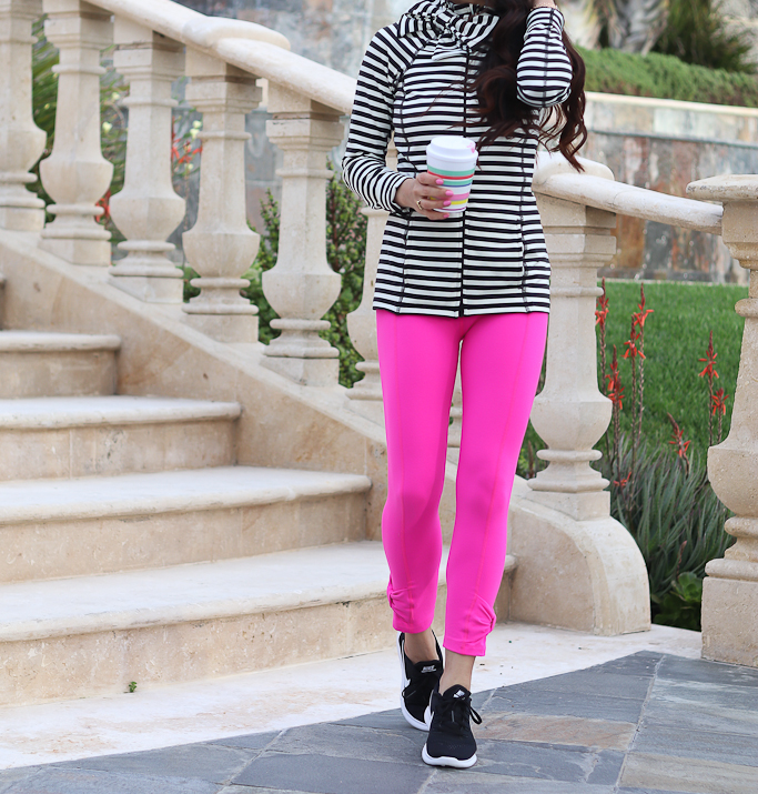 kate spade new york cinched side bow high waisted capri leggings, kate spade new york striped bow neck jacket, Nike black free RN running shoe