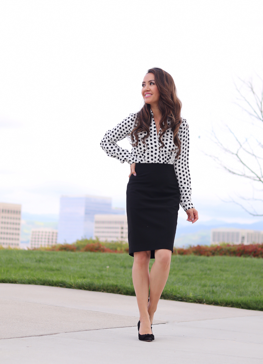 spring work outfit polka dot camp shirt black pencil skirt bow pumps